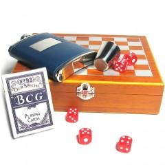 Игровой подарочный набор: шахматы, фляга, стакан, карты, кости